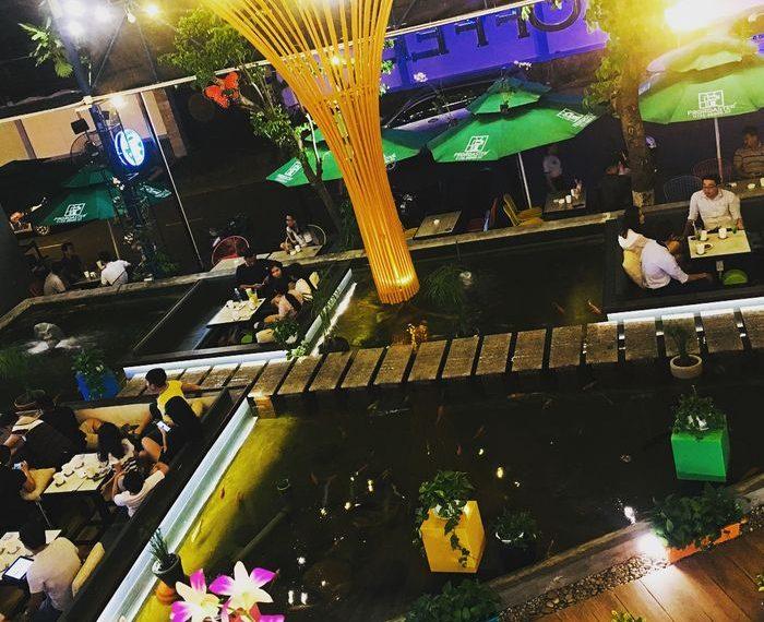 quán cà phê ngồi dưới nước ở Sài Gòn