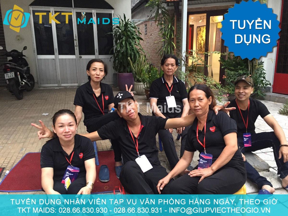 dịch vụ chăm sóc người già Sài Gòn