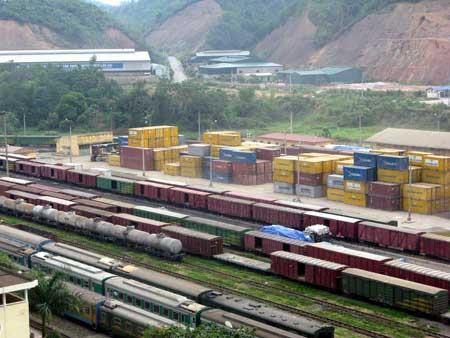 vận chuyển hàng hoá bằng đường sắt