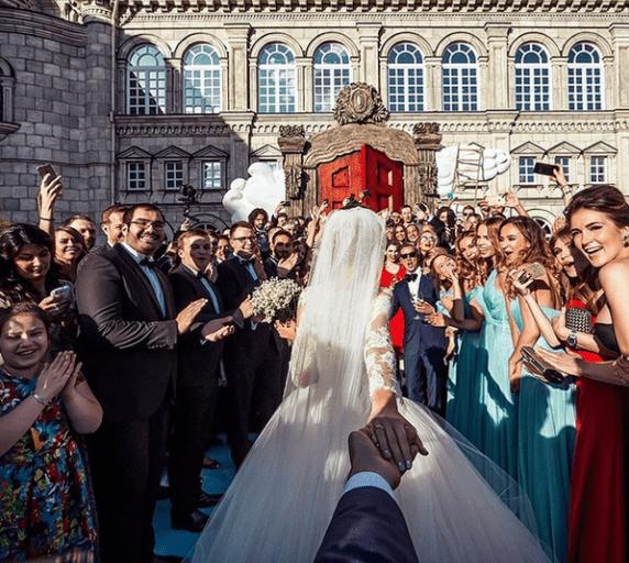 Cách tạo dáng chụp ảnh cưới ngoại cảnh cực đẹp