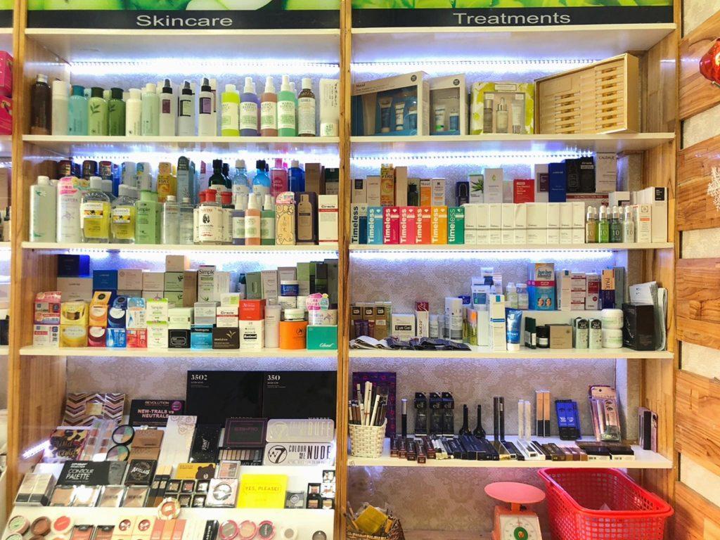 cửa hàng mỹ phẩm ở TPHCM