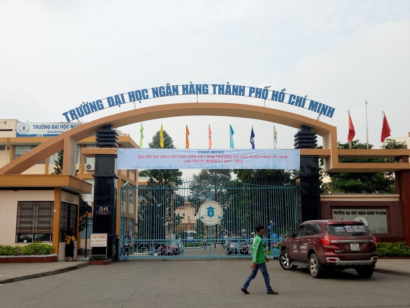 Trường Đại Học Ngân Hàng